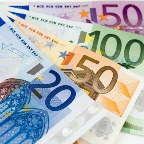 depositphotos_1684041-stock-photo-euro-money.jpg