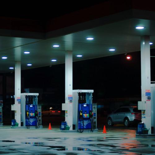 pompe-bianche-benzina-no-logo.jpg